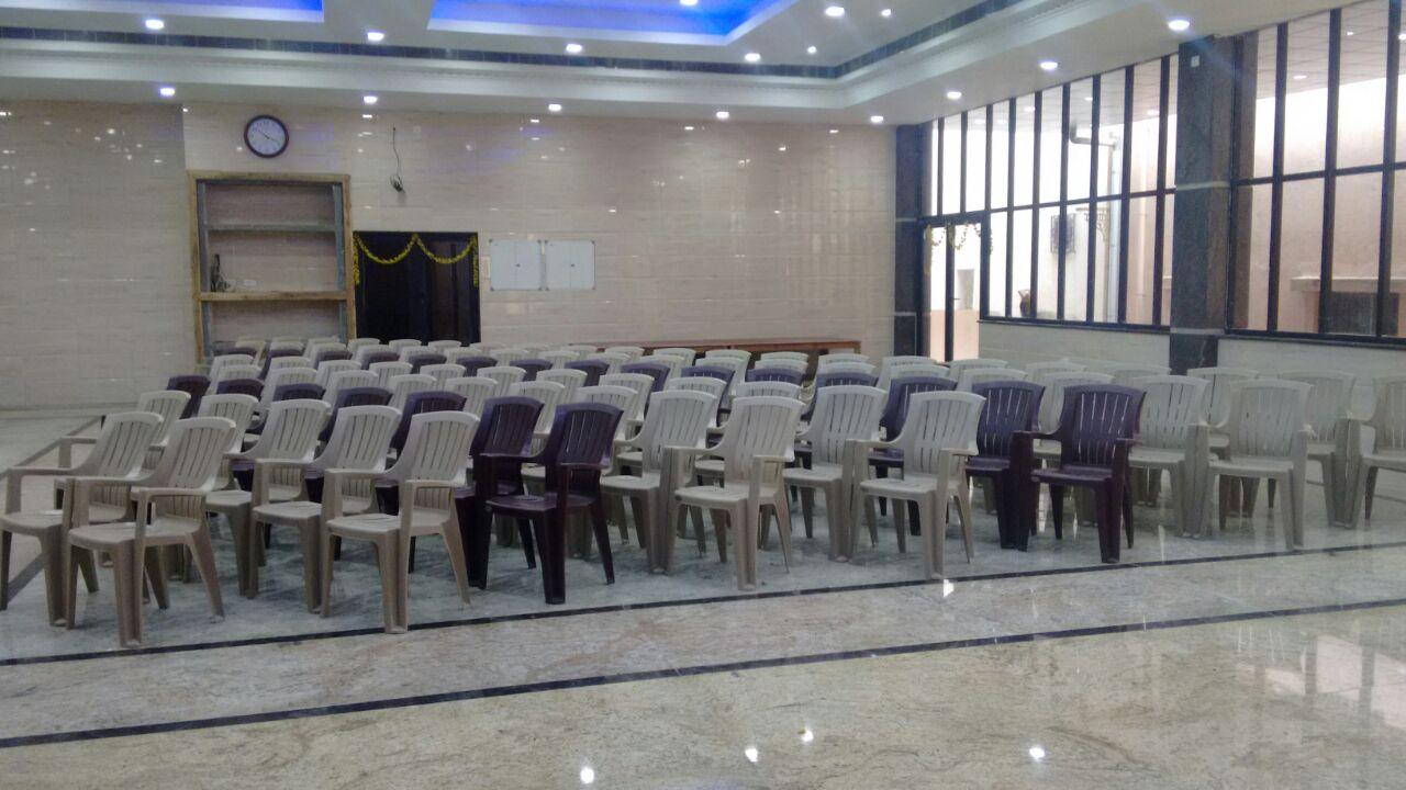 Affordable Salutation Chair Decor Ideas